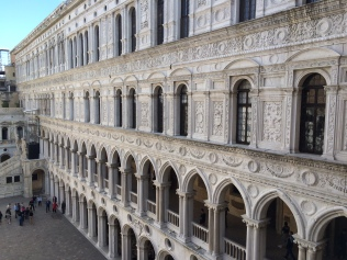 venice-doges-palace-2