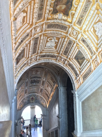 venice-doges-palace-gold-staircase