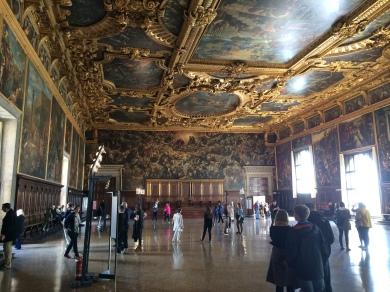 venice-doges-palace-stateroom