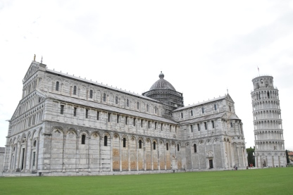 Cathedral_pisa_italy_leaning_tower