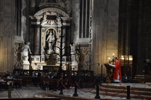 Milan_Duomo_d_Milano_interior