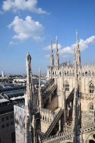 Milan_Duomo_di_Milano_rooftop_1