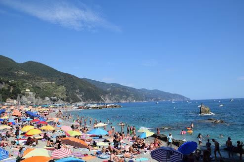 Cinque_terre_italy_monterosso_beach