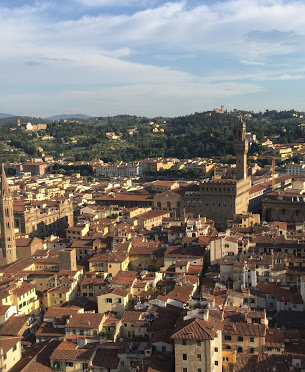 Florence_Italy_duomo_belltower_view_palazzo_vecchio