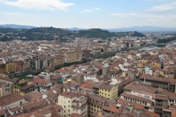 Florence_Italy_Palazzo_vecchio_tower_view_ponte_vecchio