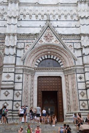 Siena_Italy_baptistry_exterior