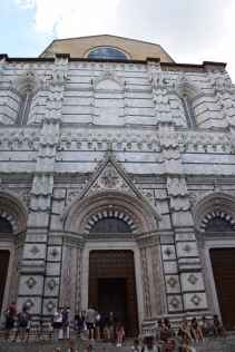 Siena_Italy_baptistry_exterior_lunch