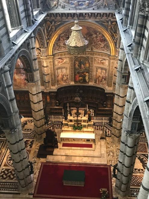 Siena_Italy_Duomo_interior