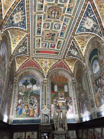 Siena_Italy_Duomo_library