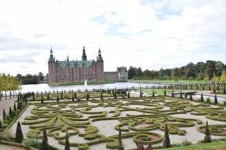 Hillerod_Day_trip_from_copenhagen_denmark_Frederiksborg_castle_baroque_garden