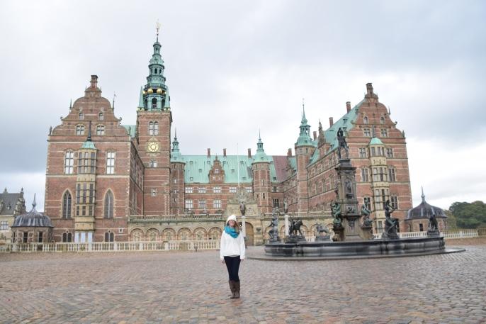 Hillerod_Day_trip_from_copenhagen_denmark_Frederiksborg_castle_exterior