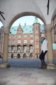 Hillerod_Day_trip_from_copenhagen_denmark_Frederiksborg_castle_exterior_courtyard