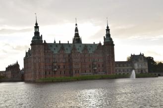 Hillerod_Day_trip_from_copenhagen_denmark_Frederiksborg_castle_water