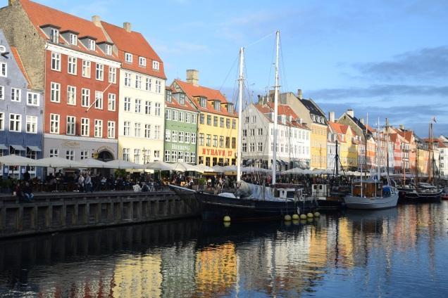 Copenhagen_denmark_nyhaven_day