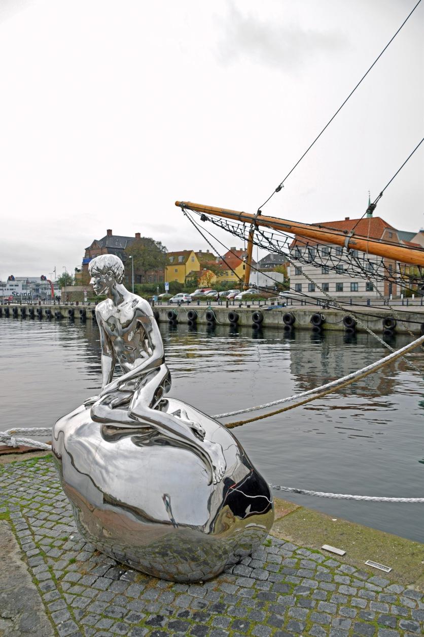 Denmark_helsinger_merman_statue_kronborg_castle