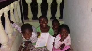 Liberia_porch_turoring