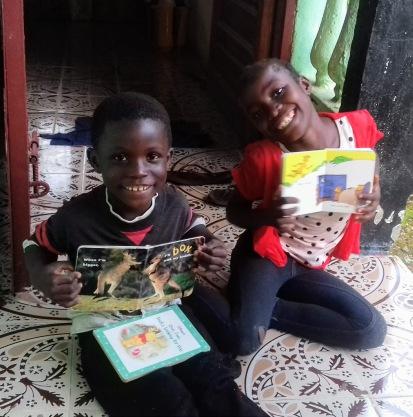 Liberia_reading_porch_kids